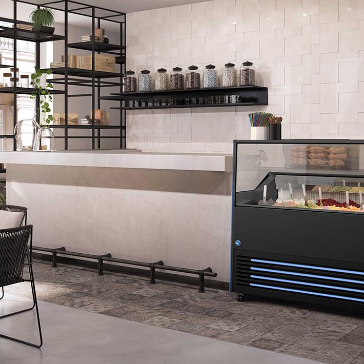 Glassdisk i café. Colia erbjuder riktigt snygga och professionella glassdiskar.